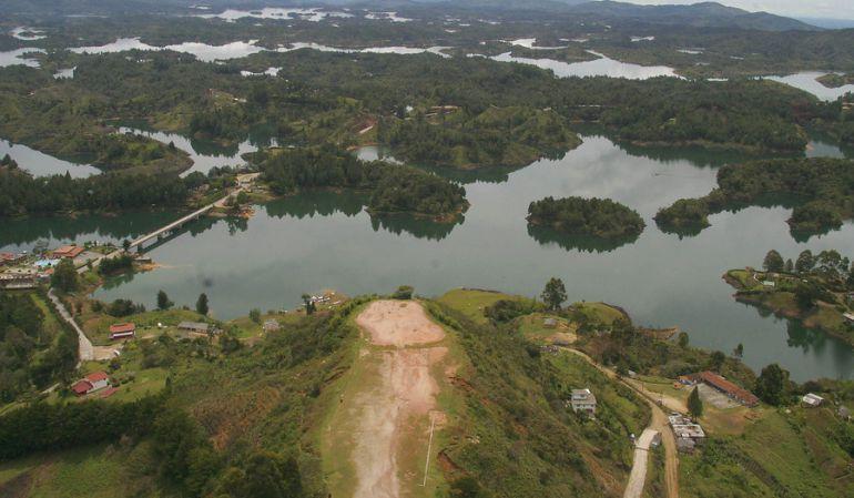 Embalse de la presa de Guatapé en el Oriente de Antioquia.