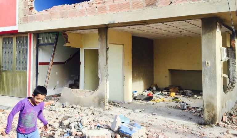Vándalos saquean y desvalijan viviendas de un barrio en Bosa