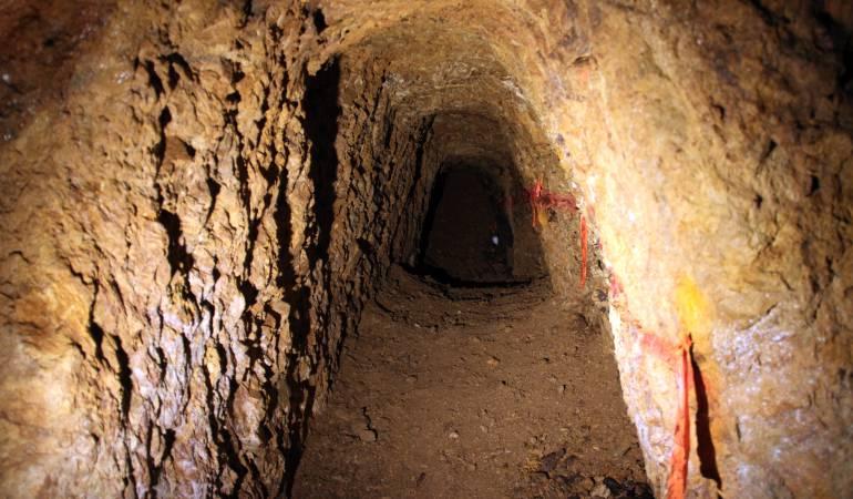 Lluvias torrenciales impiden el rescate de mineros atrapados en mina de carbón en Boyacá: Lluvias torrenciales impiden el rescate de mineros atrapados en mina de carbón en Boyacá
