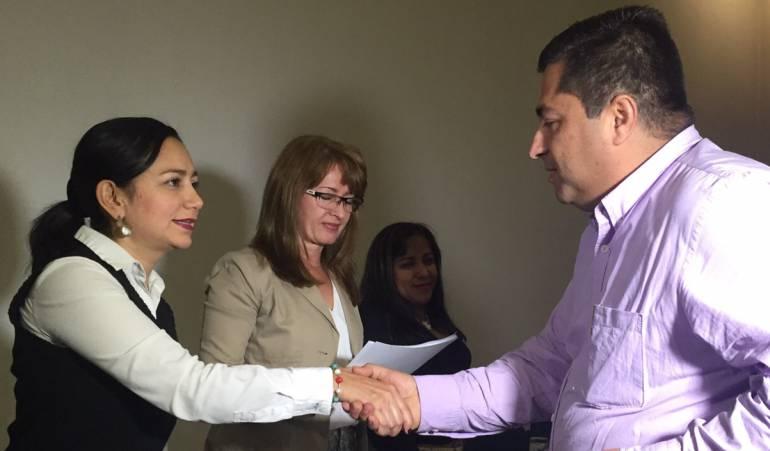 Octavio Cardona ya tiene su credencial que lo avala como Alcalde de Manizales