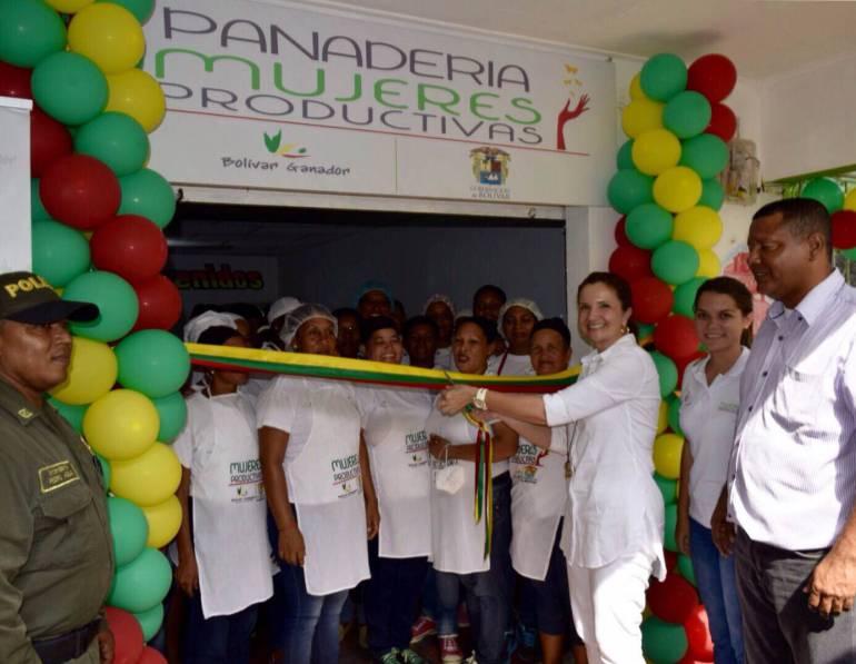 """280 mujeres en 10 municipios de Bolívar, hacen parte del proyecto """"Mujeres Productivas"""""""