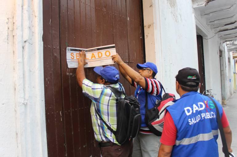 Por falta de higiene cierran dos establecimientos en zona turística de Cartagena
