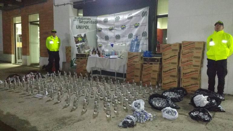 Descubren más de 400 botellas de licor adulterado en Sabaneta, Antioquia