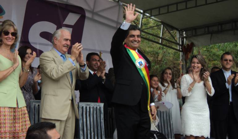 Posesión del gobernador del Quindío contó con la presencia del ex presidente de Colombia Andrés Pastrana