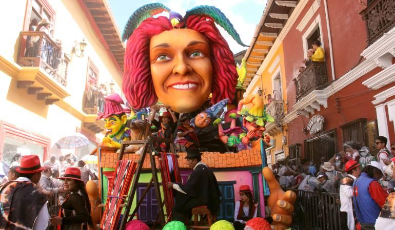 Muere un hombre tras caer de carroza en el Carnaval de Pasto