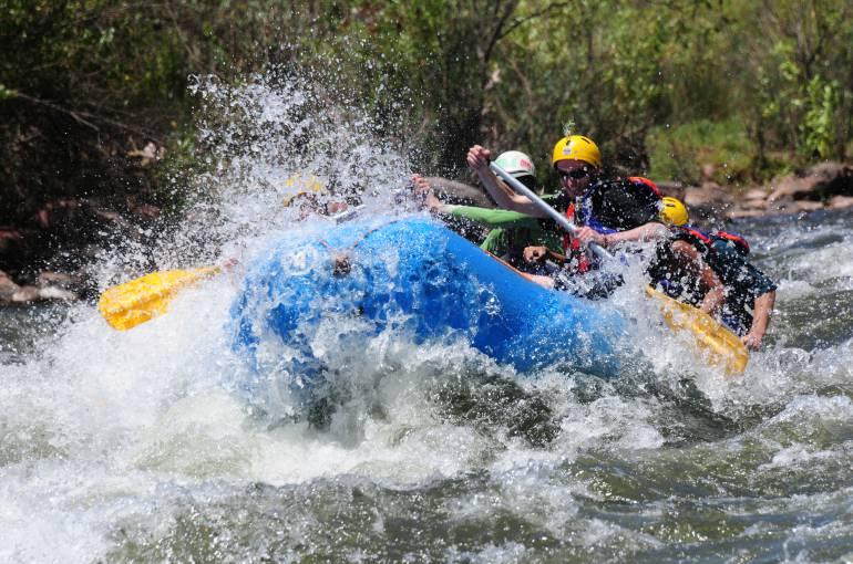 Autoridades ambientales plantean acabar con el canotaje en el río Fonce