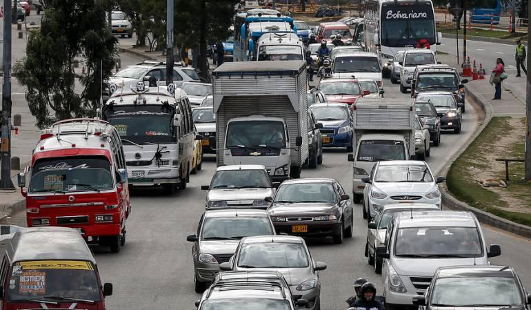 Los conductores se quejan porque sus vehículos, según el avalúo nuevo, cuesta más que uno de último modelo.