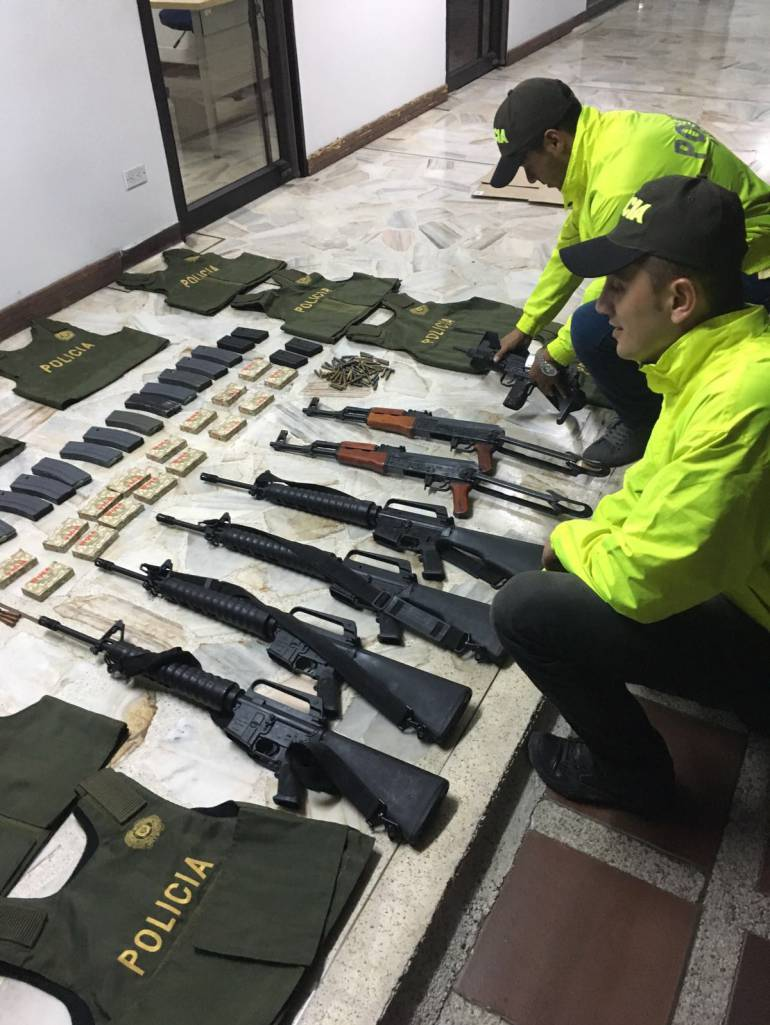 Incautan arsenal destinado a bandas criminales en Cali