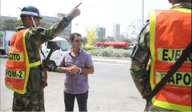 El alcalde en persona constató que los uniformados estuvieran en los puntos de la ciudad acordados.