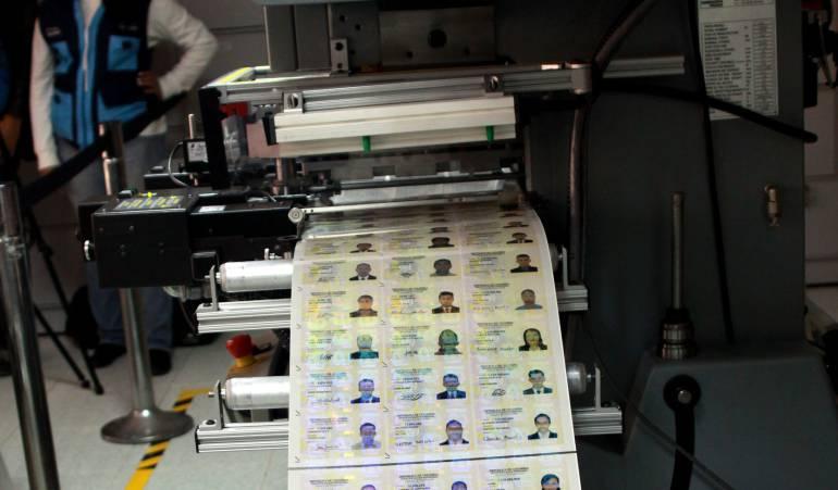 Foto: Máquina de hacer cédulas y tarjetas de identidad.