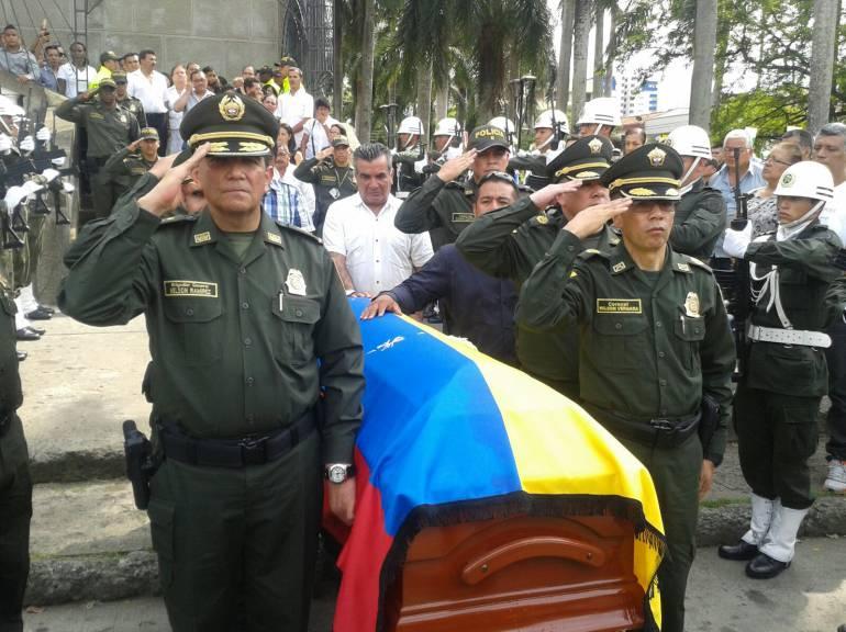 Sepultado en Cali intendente de Policía que murió en atentado en Casanare