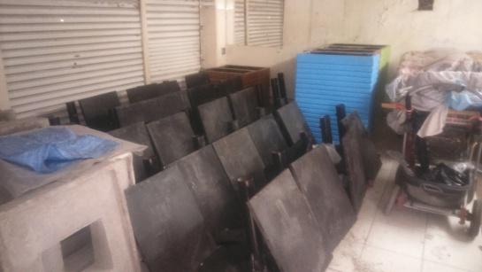 En un bodega se encuentra arrumado mobiliario que adquirió la administración Petro por más de $16.000 millones: En una bodega se encuentra arrumado mobiliario que adquirió la administración Petro