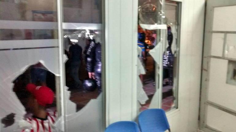 Destrozos causados en punto de atención de  Cafesalud en el municipio de Soledad.