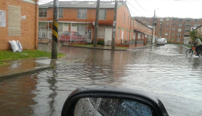 Atienden inundaciones por fuertes lluvias en tres municipios de Cundinamarca