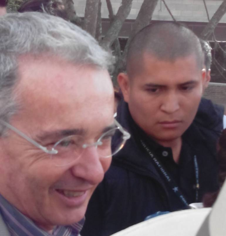 Senador Uribe considera política la decisión de la Corte sobre matrimonio igualitario