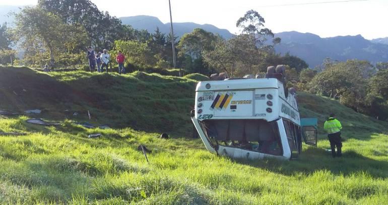 Avertencias a transporte escolar tras fatal accidente en Boyacá.: Mintransporte hace advertencias a transporte escolar tras accidente que dejó un niño muerto en Boyacá