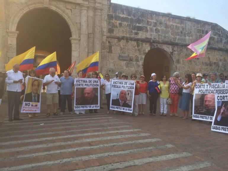 Plantón en Cartagena para pedir la libertad del ex ministro Sabas Pretelt