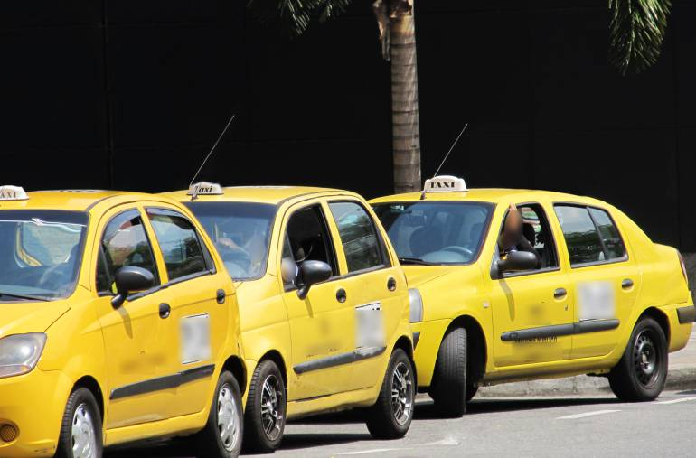 En los próximos días subirá la tarifa de taxis en Medellín