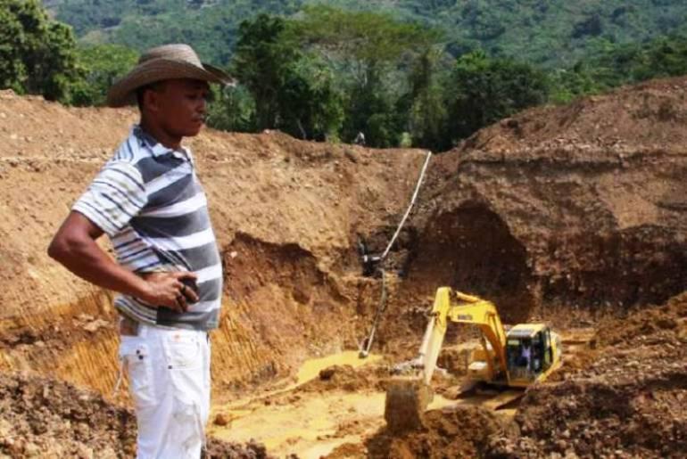 Continuan brigadas de asistencia y entregará kits mineros en ... - Caracol Radio