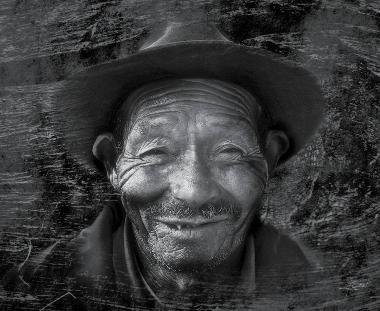 Exposición fotográfica en Iza, Boyacá, en homenaje al adulto mayor: Exposición fotográfica en Iza, Boyacá, en homenaje al adulto mayor