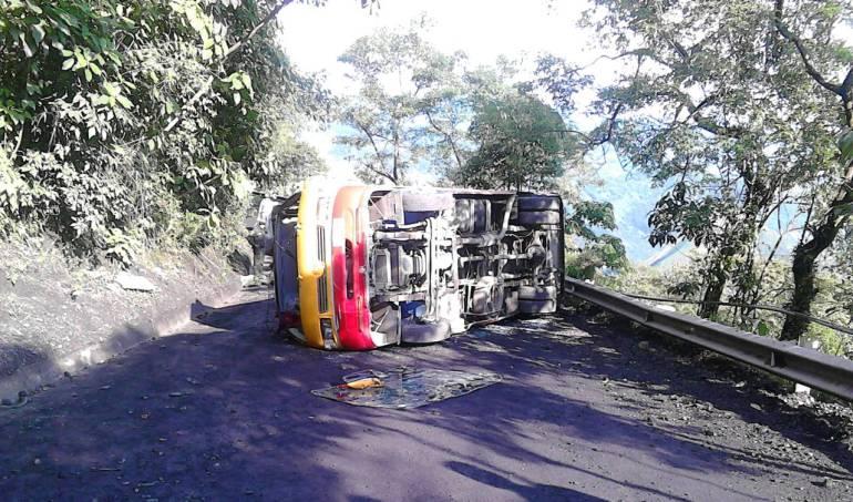 Un muerto en accidente de tránsito en la vía alterna al llano por Boyacá: Un muerto en accidente de tránsito en la vía alterna al llano por Boyacá