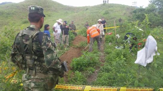 Encuentran restos en fosas de San Juan del Cesar La Guajira: Encuentran dos fosas comunes con catorce restos óseos en zona rural de San Juan - La Guajira