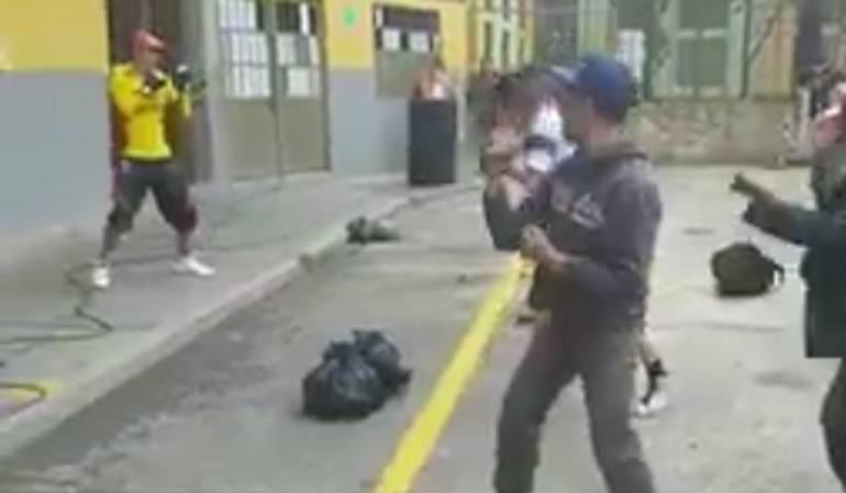 Peñalosa muestra en un trino una clase de kick boxing adelantada por ex habitantes del bronx: La curiosa forma de rehabilitar habitantes de la calle