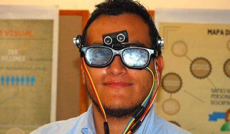 creación, estudiantes universitarios, inventos, Manizales, Caldas: Estudiantes en Manizales diseñan gafas para personas con discapacidad visual