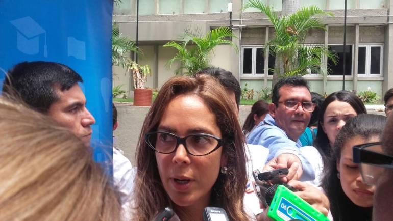 Ministra de educación Gina Parodi en visita a Barranquilla.