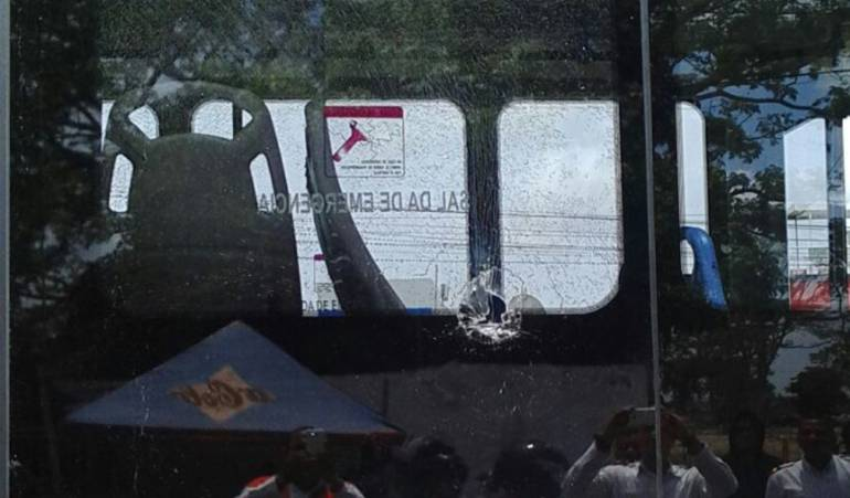 Atacan a piedra bus de Transcaribe: Capturan a sujeto que atacó a piedra un bus de Transcaribe, en Cartagena