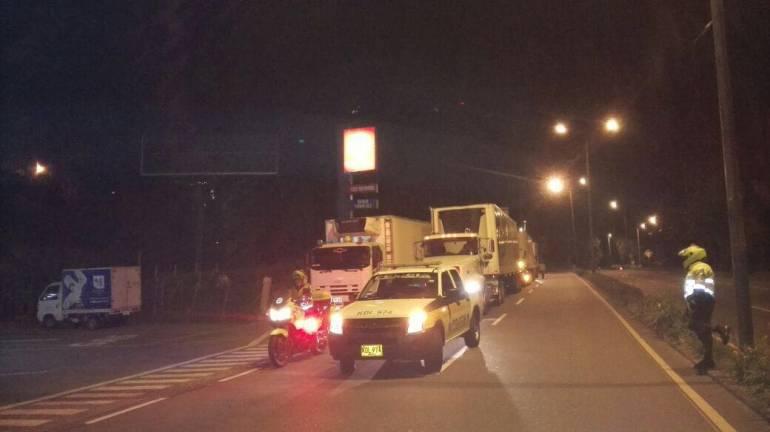 Vías: Caravanas de seguridad para vehículos de carga en Valle