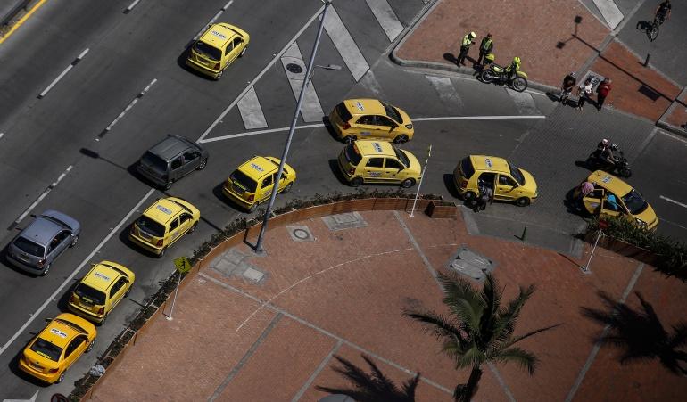 Pico y placa para taxis en Bogotá: Distrito no contempla levantar el pico y placa para taxis en Bogotá