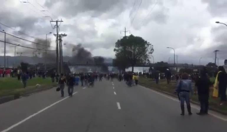 Disturbios en la calle 13 en medio de protesta del paro camionero