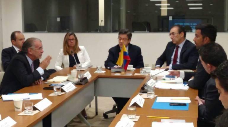 Proyectos ante la banca mundial: Verano busca apoyo de la banca mundial para proyectos locales