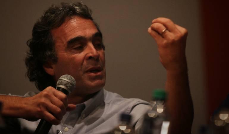 Escandalo por malos manejos fiscales en administración de Sergio Fajardo: Sergio Fajardo niega que haya violado topes a gastos de funcionamiento