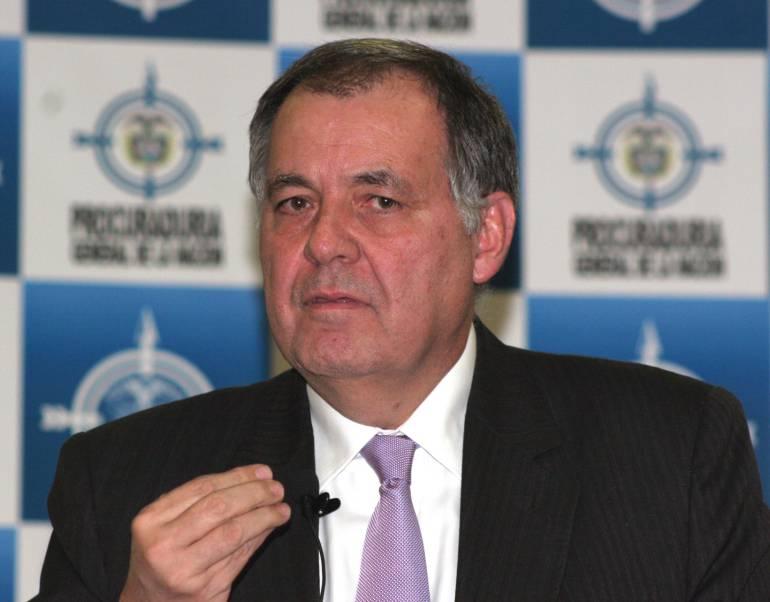 Procurador colombiano demanda