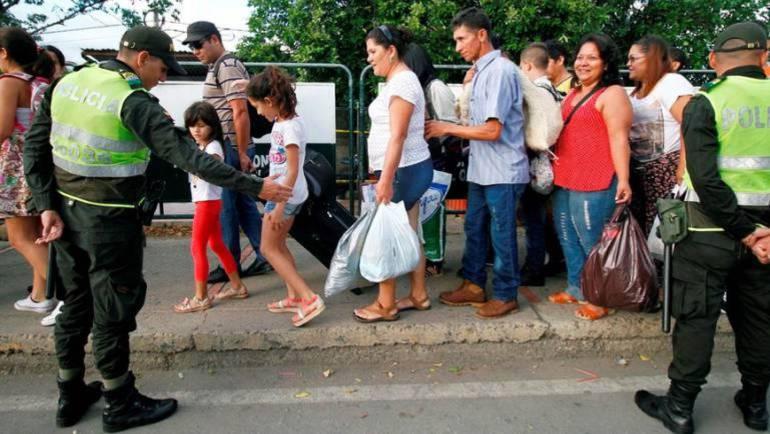 Deportan nueve adultos y un bebé venezolanos que estaban indocumentados en Boyacá: Deportan nueve adultos y un bebé venezolanos que estaban indocumentados en Boyacá