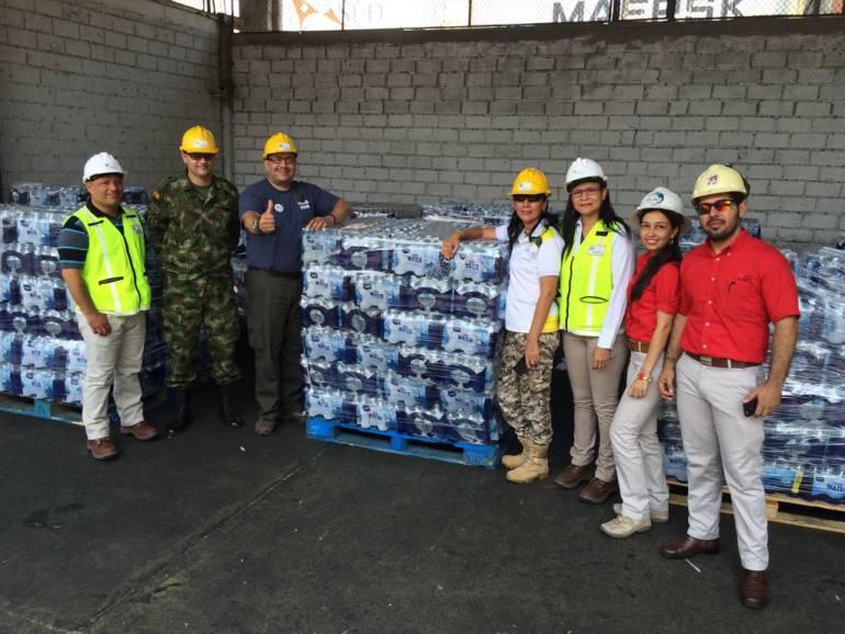 Importan agua por el Puerto de Santa Marta para los Wayuu