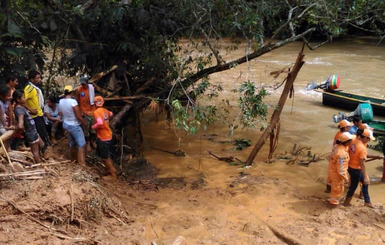 Emergencia por creciente de la quebrada Altamar en Remedios.