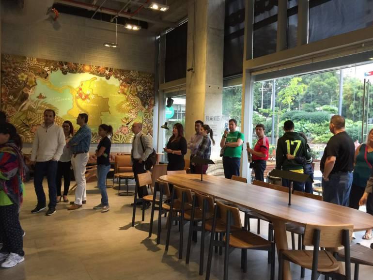 CAFE STARBUCKS: Starbucks abrió su primera tienda en Medellín