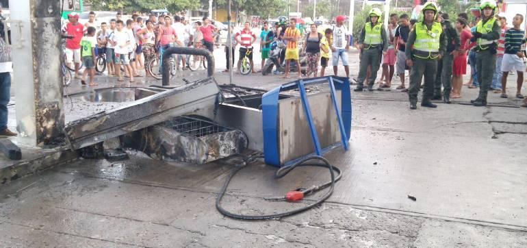 Cuatro muertos en explosión en estación de servicio en Barranquilla