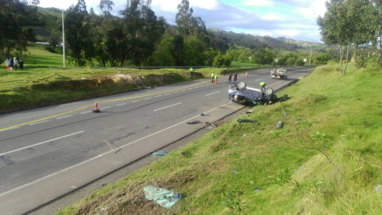 Accidente en vía Tunja-Bogotá deja herido al alcalde de Susacón ... - Caracol Radio
