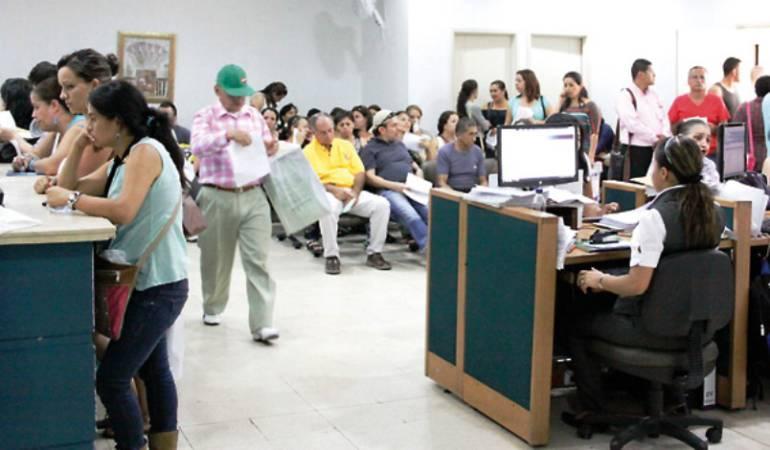 Incertidumbre rodea a usuarios y trabajadores de Cafesalud