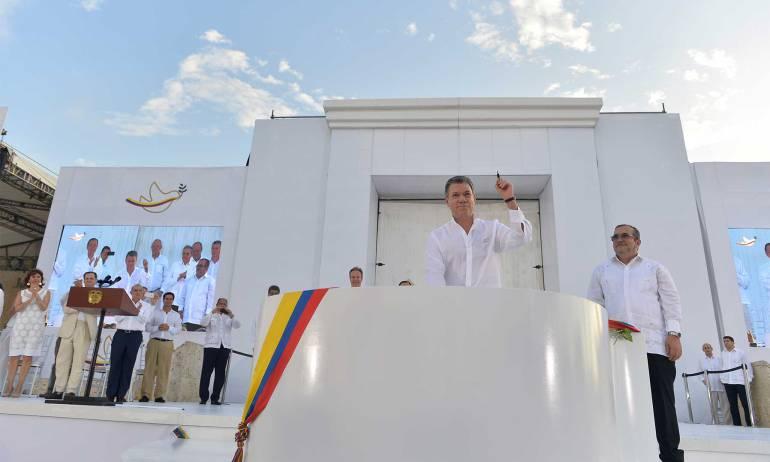 Santos dice si ELN libera secuestrados podría comenzar diálogo próxima semana
