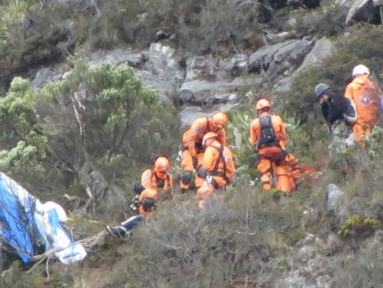Rescataron el cuerpo sin vida del parapentista Felipe Acosta en ... - Caracol Radio
