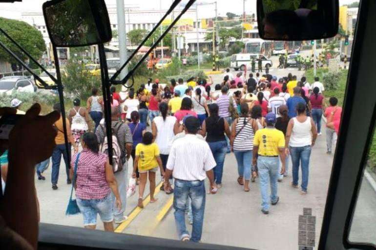 Cuatro personas fueron detenidas por bloquear Troncal de Transcaribe: Cuatro personas fueron detenidas por bloquear Troncal de Transcaribe