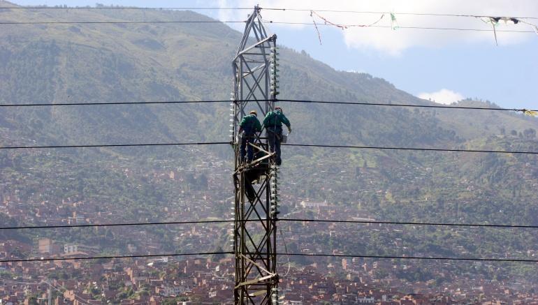 Torre de energía derribada tras atentado en Mondoñedo, Cundinamarca