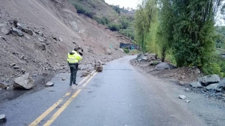 Invierno provoca derrumbe y paso restringido en la vía Belén – Sácama - Caracol Radio