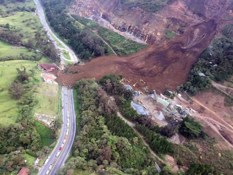 Medellín-Bogotá, rescate, cadáveres, cuerpos, Dapard, Antioquia: Con recuperación de 4 cuerpos, concluyó rescate en la vía Medellín-Bogotá