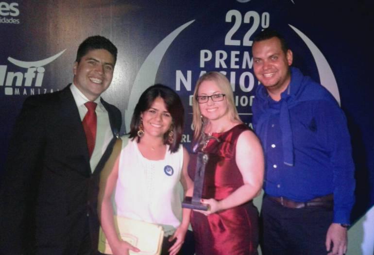Premio de Periodismo Orlando Sierra Hernández: Caracol Radio Manizales ganó una estatuilla en los premios Orlando Sierra